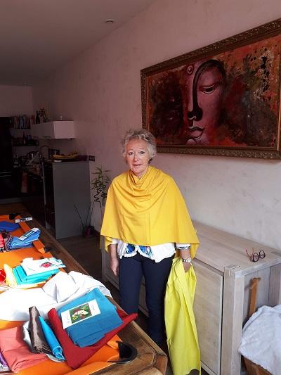 Méta- Métamorphose-couleurs-matières-formes-vêtements-développement personnel-coaching-conseil en image-connaissance de soi- formée par Flora Douville-Vendée